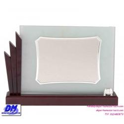 Placa de Homenaje cristal 97007 montaje chapa diferentes tamaños premio pallart grabado laser personalizado