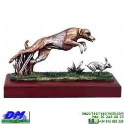 Trofeo de Caza 5555 cazador perro premio liebre conejo pallart chapa grabada