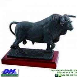Trofeo Toros 5668 torear ganaderia recortes cabeza premio pallart diferentes alturas tamaños chapa grabada