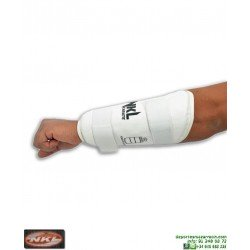 Antebrazo Karate NKL Para Kumite RFEK proteccion