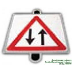 señal de trafico PELIGRO DOS SENTIDOS educación vial escuela