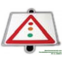 señal de trafico PELIGRO SEMAFORO educación vial escuela