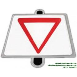 señal de trafico PRIORIDAD CEDA EL PASO educación vial escuela