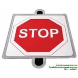 señal de trafico PRIORIDAD STOP educación vial escuela
