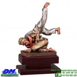 Trofeo Judo 5619 judoca yudoca premio diferentes alturas pallart tamaños chapa grabada