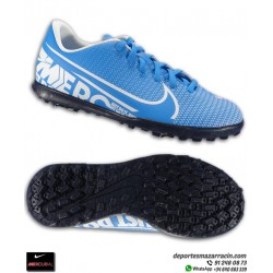 Bota de Fútbol turf MERCURIAL VAPOR 13 Club para niños color azul con blanco Nike AT8177-414