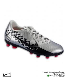Bota de Fútbol NEYMAR MERCURIAL VAPOR 13 Club tacos FGMG para niños color gris plata Nike AT8163-006